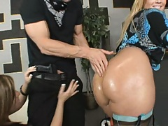 Two hot blonde round ass babes go on their knees to suck