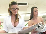 Group of hot babes with Kortney at the laundry place