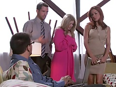 Group of hot chicks with Sunny Lane then sucking guys dick