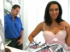 Cute brunette Rachel Starr a horny milf with a juicy ass