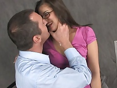 Glasses girl Dinielle makes out with dude