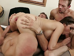 Nice gaping anal view with Kiera King getting anus stretched