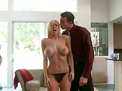 Blonde Mariah Madysinn is going to get group punished